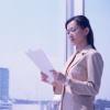 働いている女性の方保険